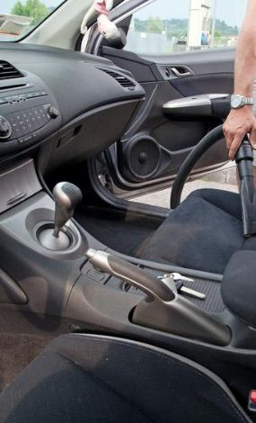 nettoyage-intérieur-aspirateur-sièges-voitures