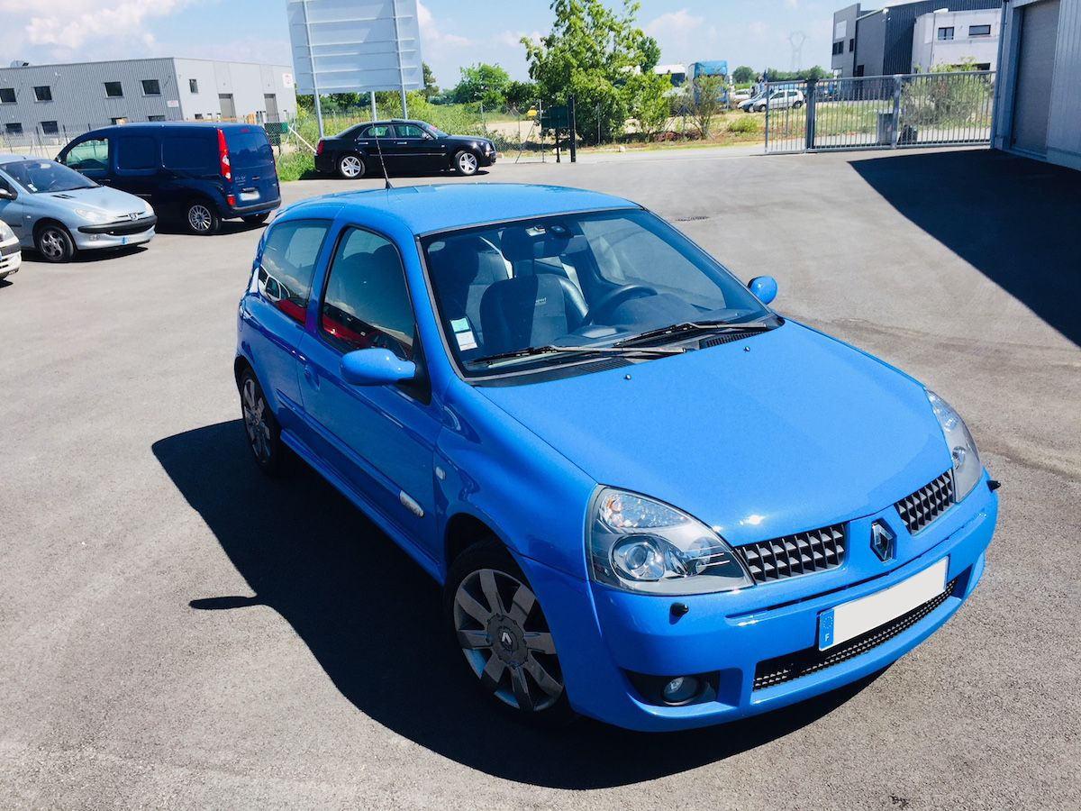 avant-Clio-RS-182cv-2004-bleu-dynamo-a-vendre
