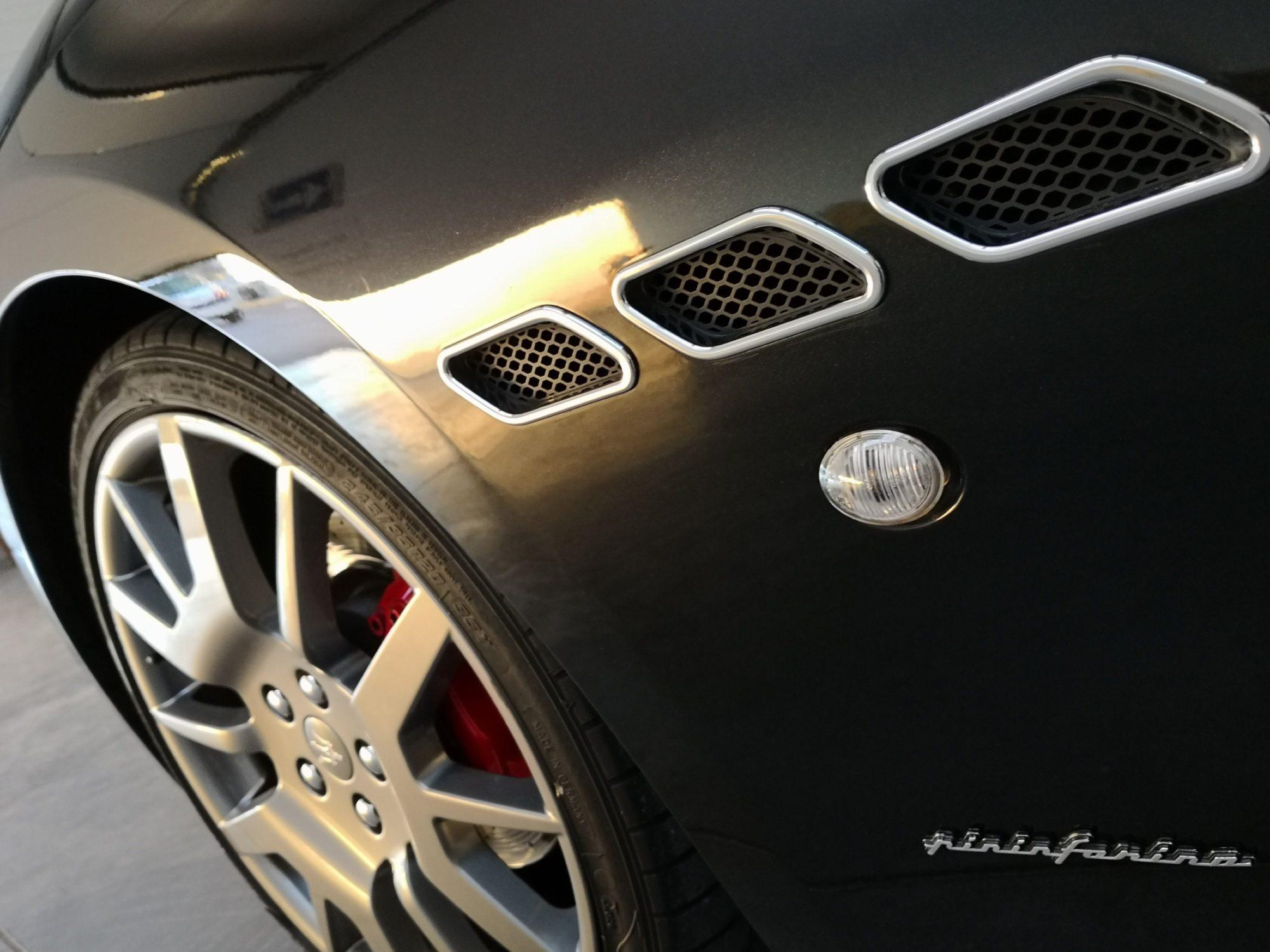 Maserati granturismo coupé noir