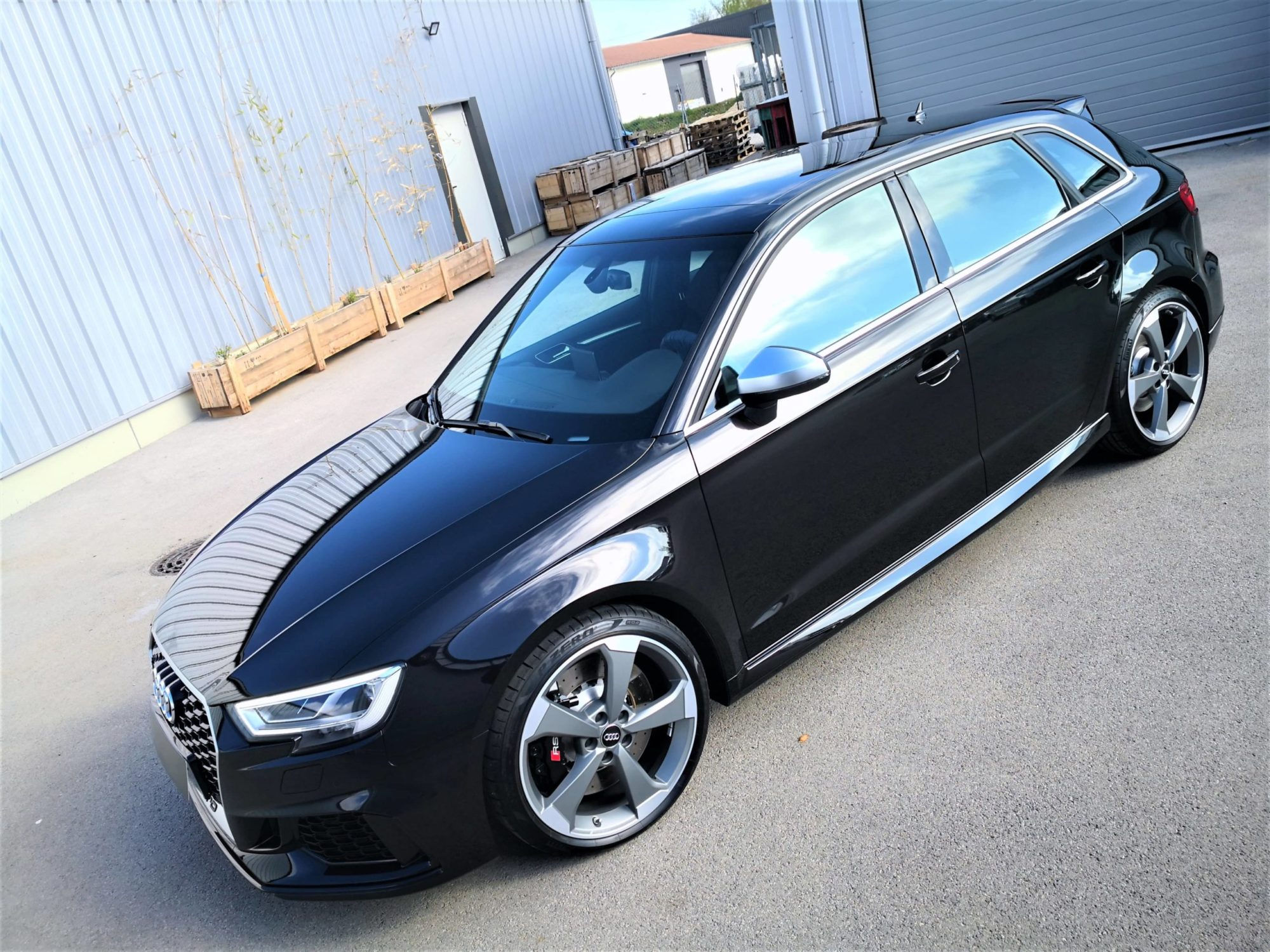 Audi RS3 Black panther